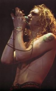 layne-staley-alice-in-chains-51263172095